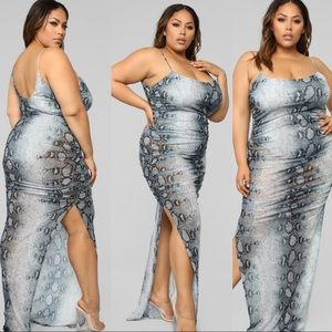 New With Tags - 3XL Plus Size Long Snake Dress